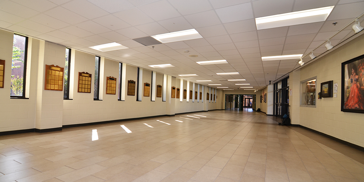 XtraLight-4-Benefits-LED-Lighting-Schools-Hallway
